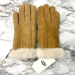 UGG Pieced Perforated Shearling Glove Chestnut S
